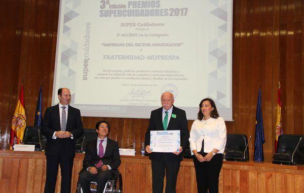 Fraternidad-Muprespa galardonada con el segundo accésit en la categoría de empresas aseguradoras de los Premios Supercuidadores