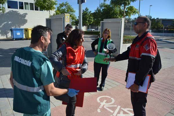 La UMH realiza un simulacro de incendio en el edificio Severo Ochoa del campus de Sant Joan de Alicante