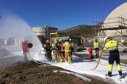 Simulacro de incendio de un camión cisterna en la planta de Alcanar