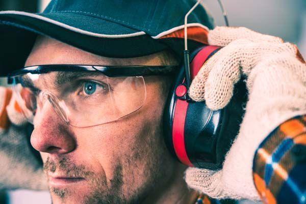 Uso de auriculares en entornos ruidosos