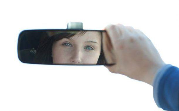 El 72% de los conductores reconoce que nunca realiza una parada para descansar su vista