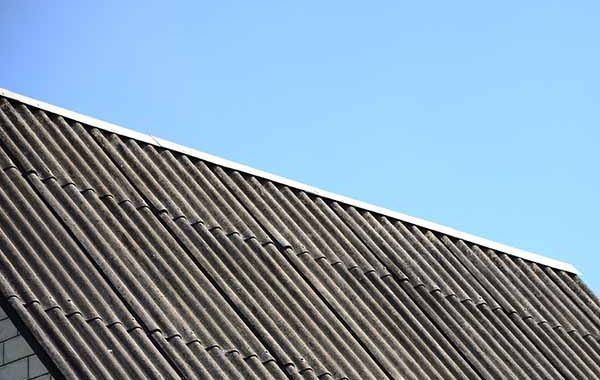 Análisis sobre el doblaje de cubiertas de amianto-cemento en España: propuestas de actuación preventiva
