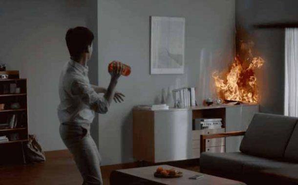 Un florero contra incendios que puedes arrojar contra las llamas