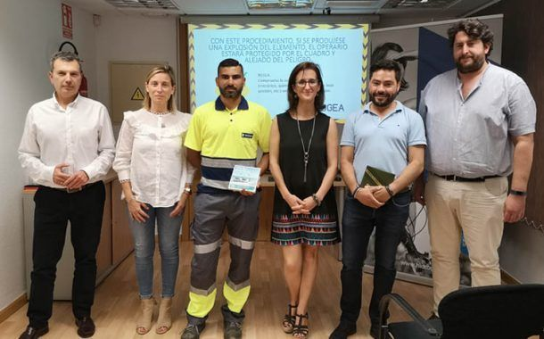 Hidrogea premia a dos empleados por sus ideas para mejorar la seguridad en su trabajo diario