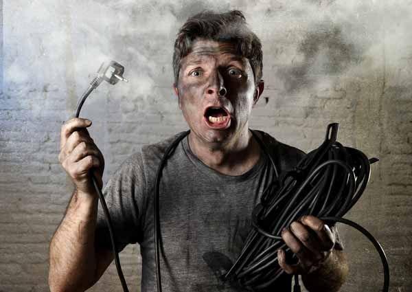 Manual básico de seguridad en las instalaciones eléctricas de baja tensión