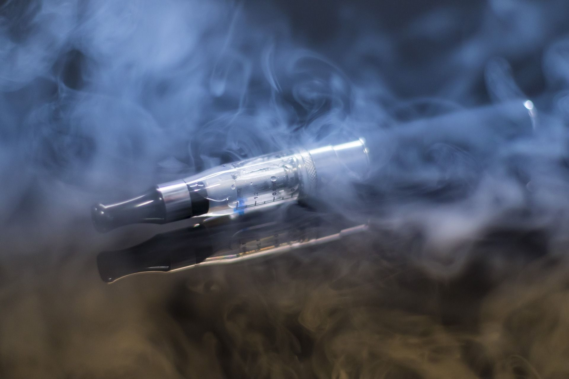 OMS felicita a India por prohibir el cigarrillo electrónico