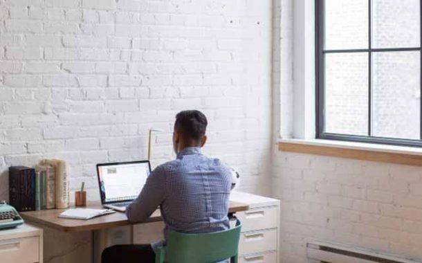 ¿Trabajas con ordenador? sigue estos consejos para prevenir lesiones