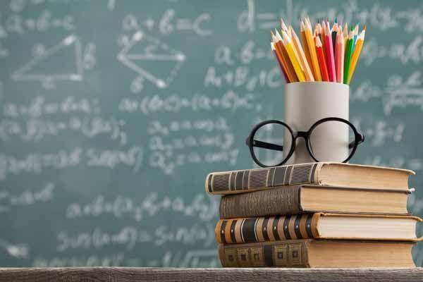 Factores psicosociales, sobreesfuerzo vocal y nivel de ruido en docentes