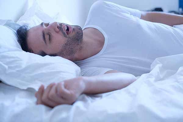 ¿Cómo afecta el sueño a la frecuencia cardíaca?