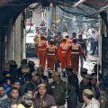 Un gran incendio arrasa una fábrica en Nueva Delhi, matando a 43 trabajadores