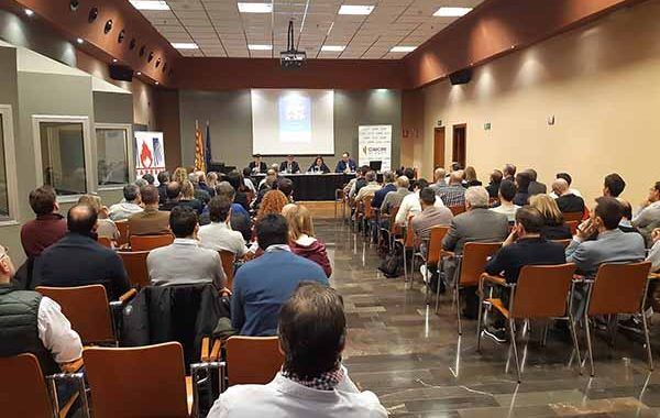 Más de cien personas asisten a la primera jornada empresarial en materia de seguridad industrial e incendios en Zaragoza