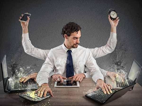 ¿Cómo vivir conectados pero no estresados? Hábitos tecnosaludables