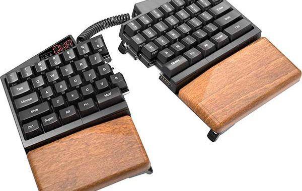 Ultimate Hacking Keyboard el teclado que aumenta la ergonomía