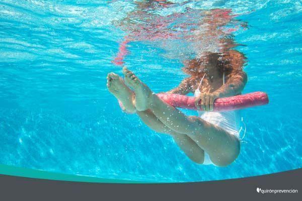 Ejercicios acuáticos para no perder la forma este verano (infografía)