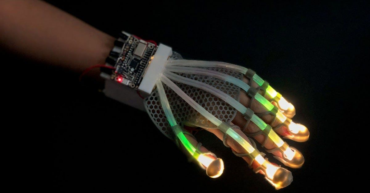 Stretchable sensor gives robots and VR a human touch
